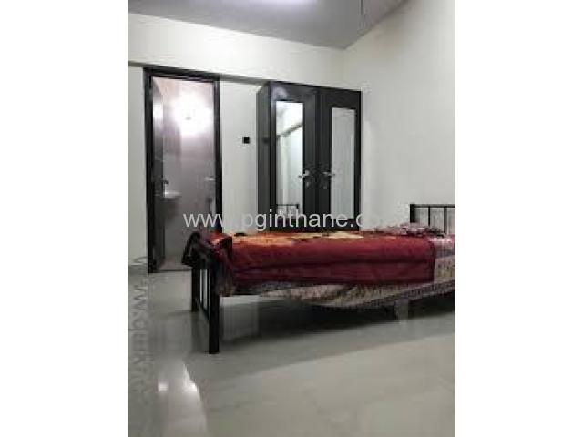 Paying Guest Available Near Teen Hath Naka